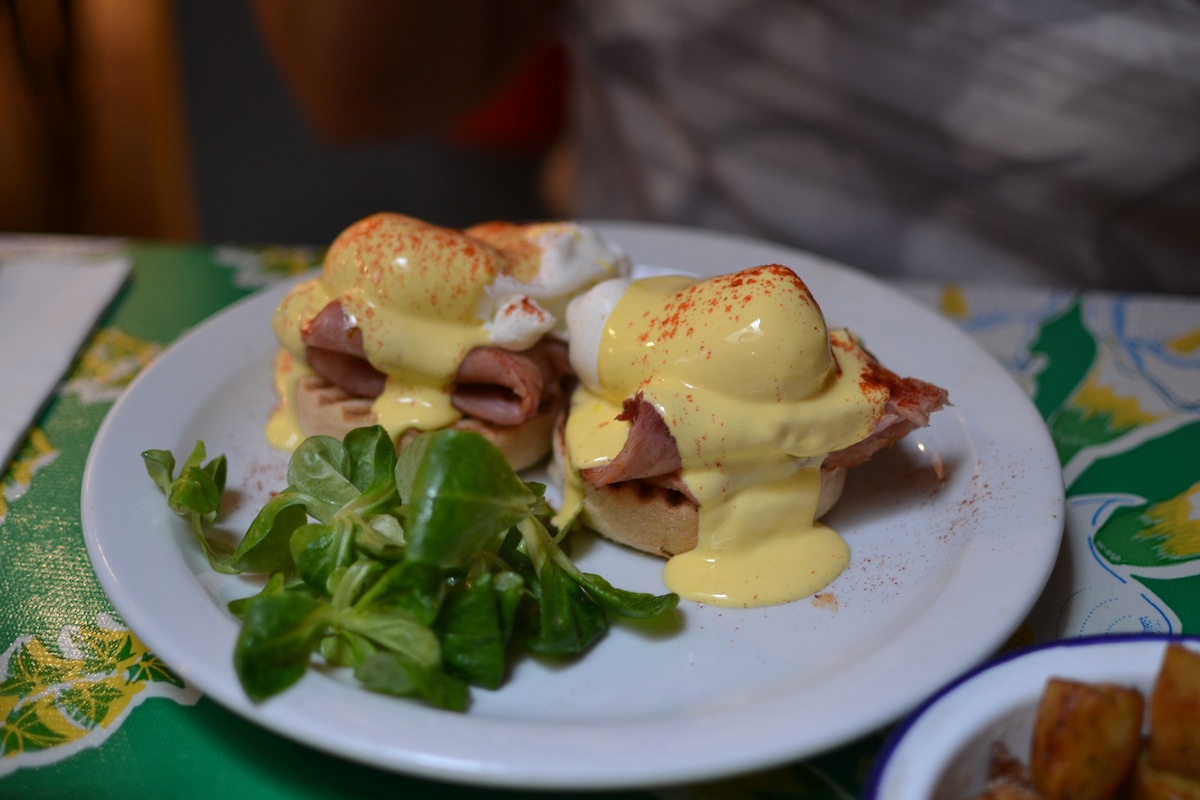 Eggs Benedict from Breakfast Club